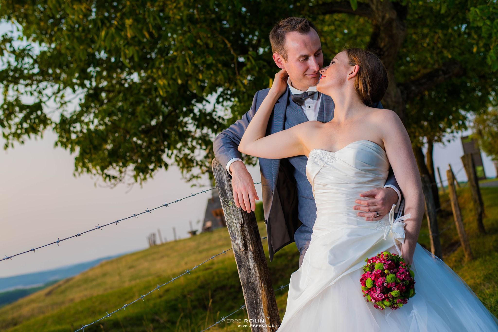 Mariage – Séance de couple au coucher de soleil