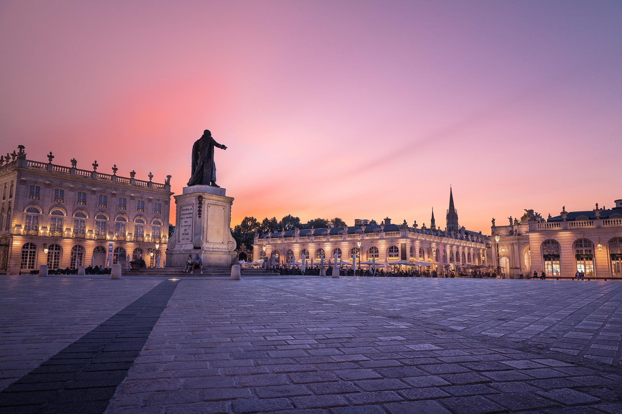 Place Stanislas au soleil couchant à Nancy | Lorraine
