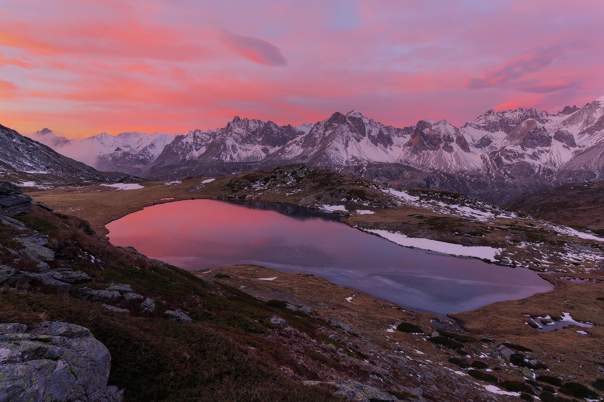 Lever de soleil sur le lac de la Cula, vallée de la Clarée | Hautes-Alpes