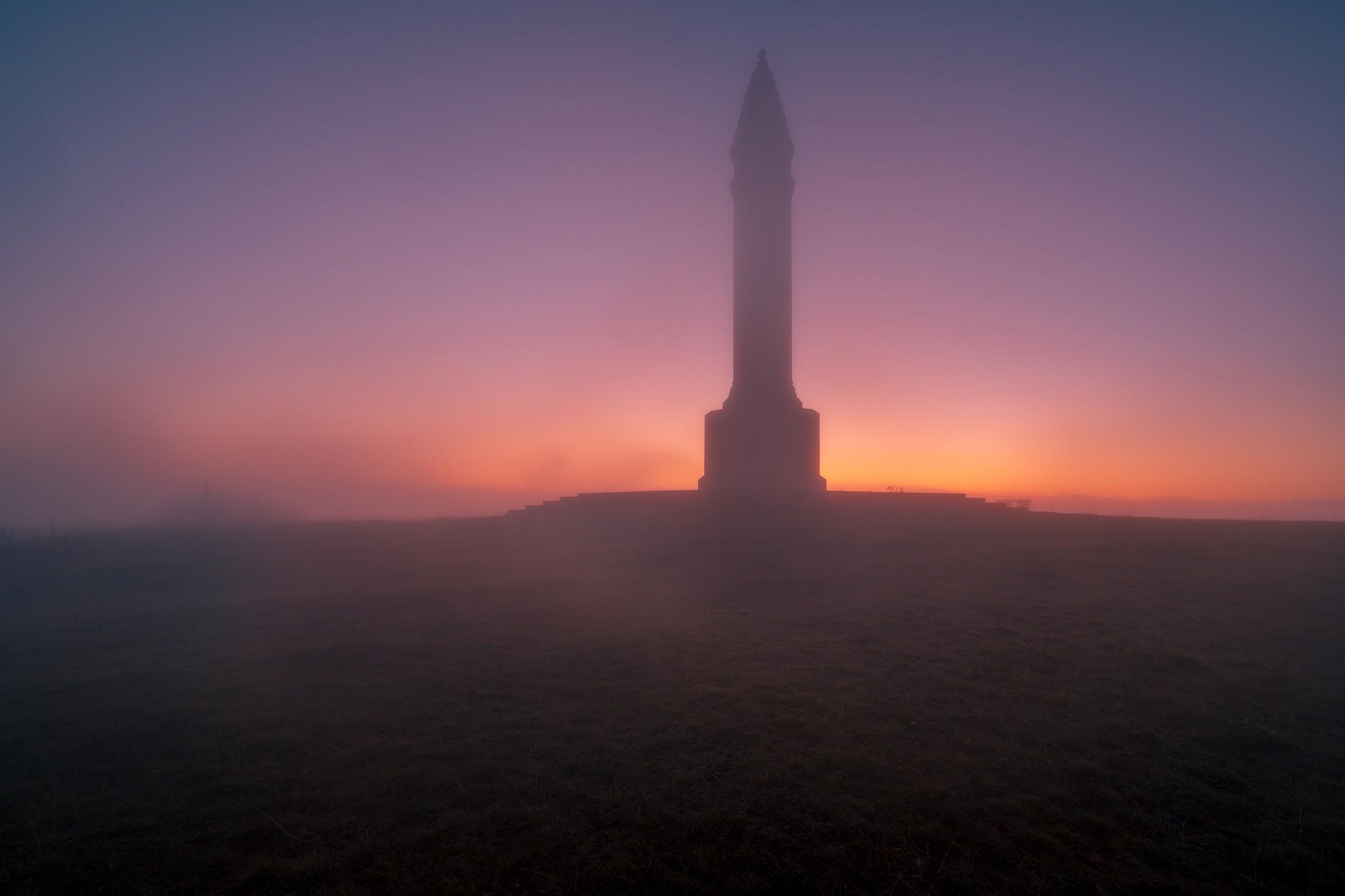 Lever de soleil sur le monument Barrès, Colline de Sion | Lorraine