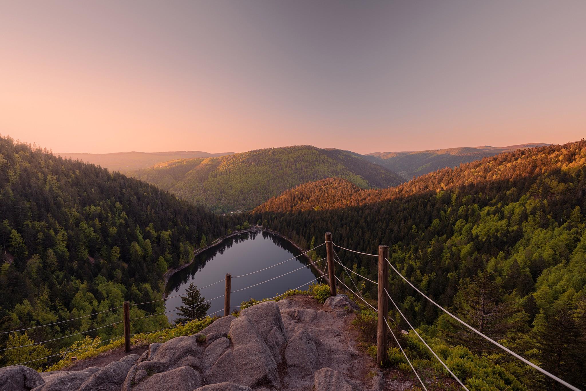 Le lac des Corbeaux à l'heure dorée | Vosges