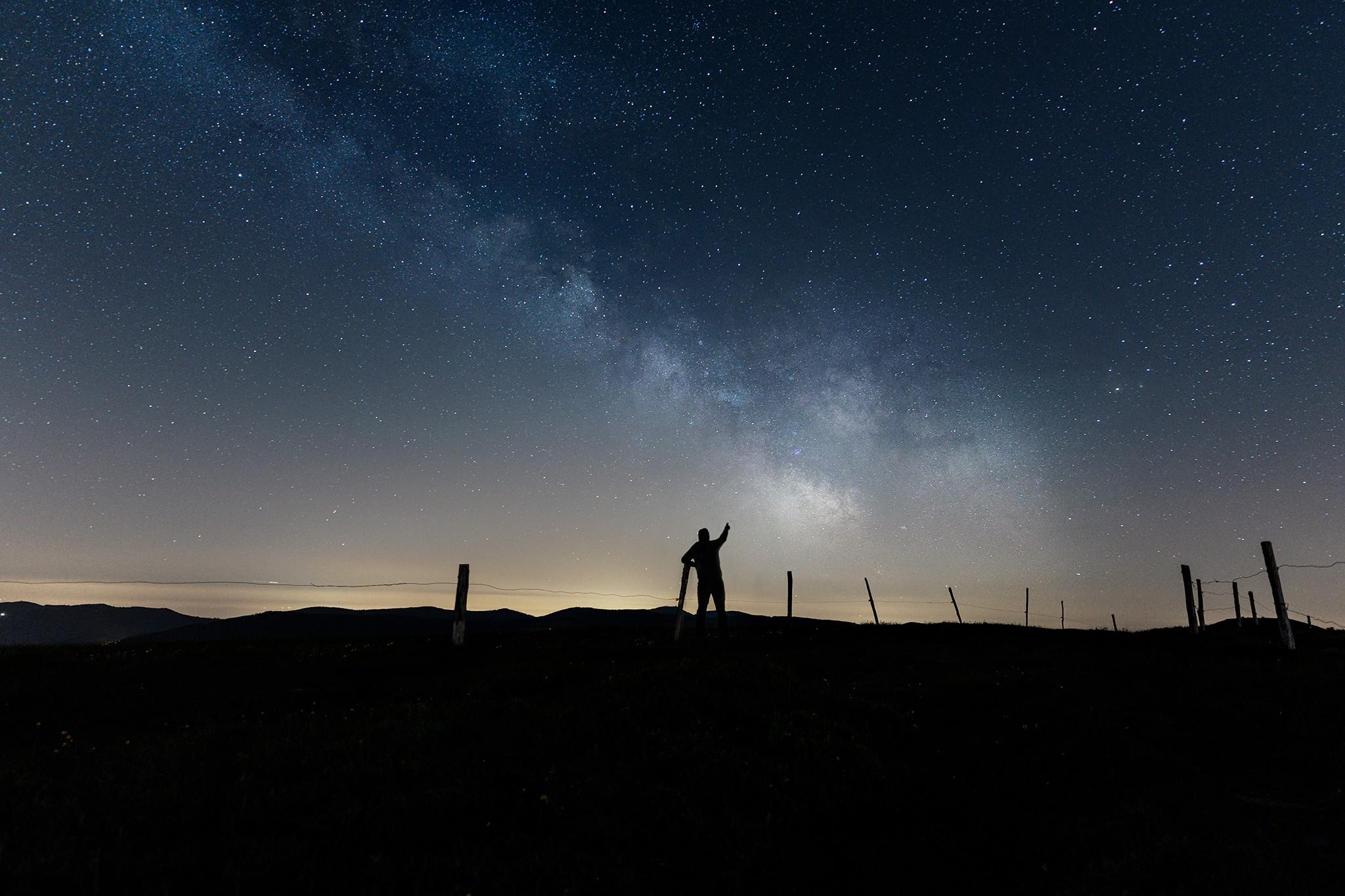 Seul devant la Voie lactée au Rothenbachkopf | Vosges © Pierre ROLIN - Photographe Nancy - Lorraine / Grand Est