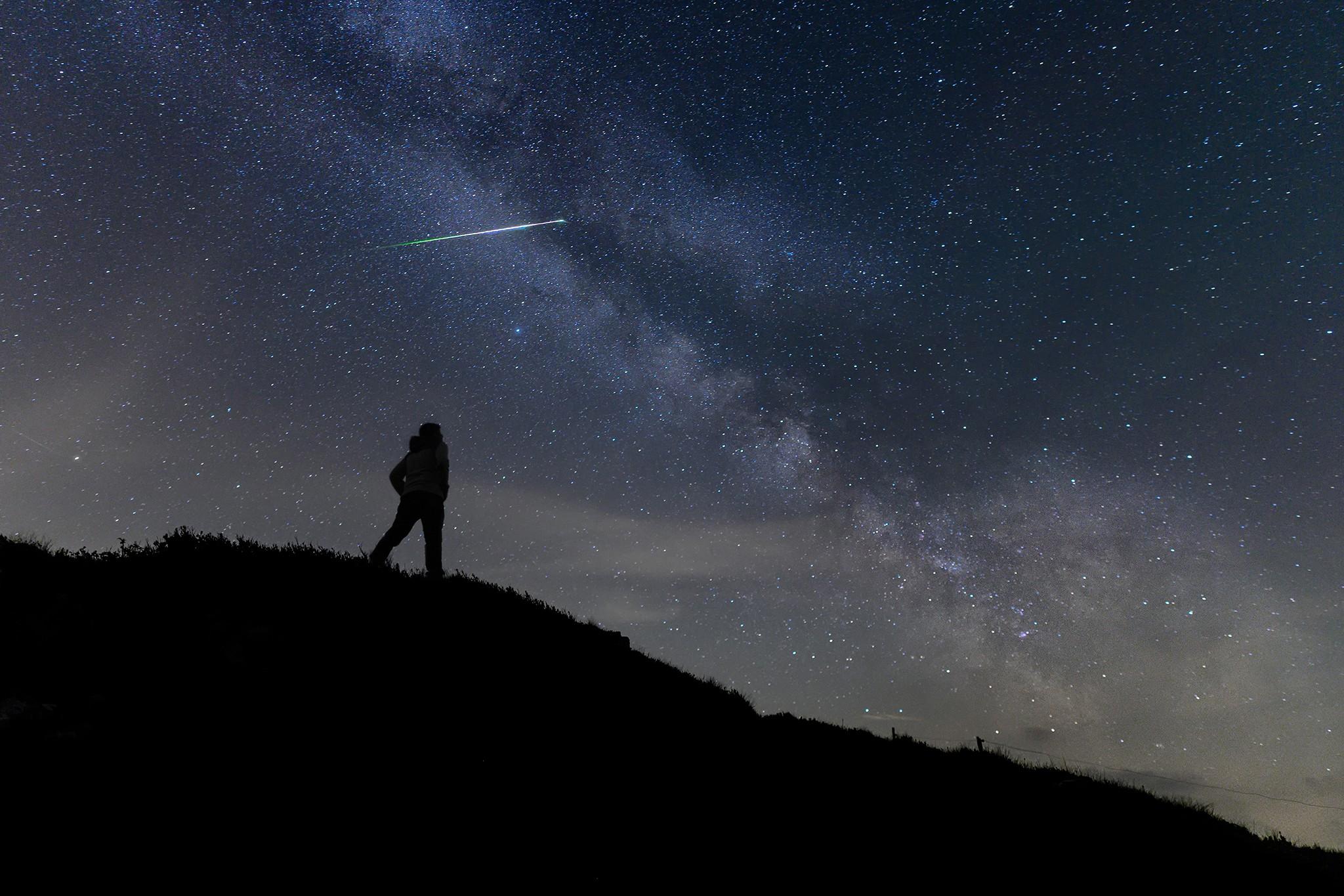 Voie lacée et météore traversant le ciel | Vosges © Pierre ROLIN - Photographe Nancy - Lorraine / Grand Est