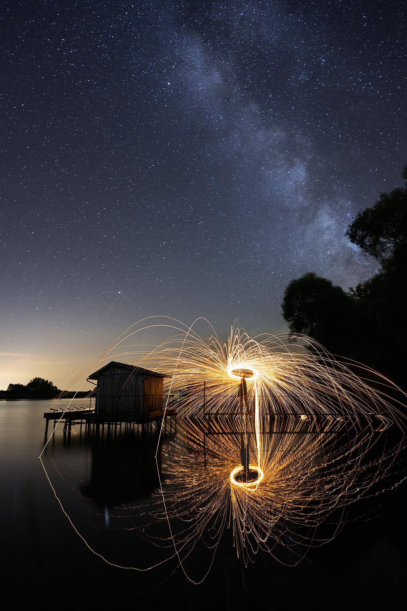 Lightpaing et Voie lactée sur le lac