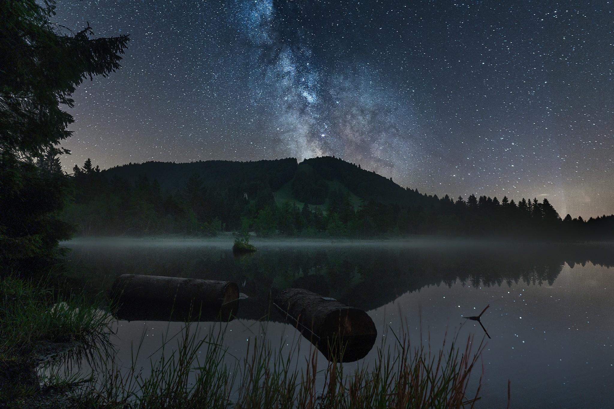 Lac de Lispach sous la Voie lactée