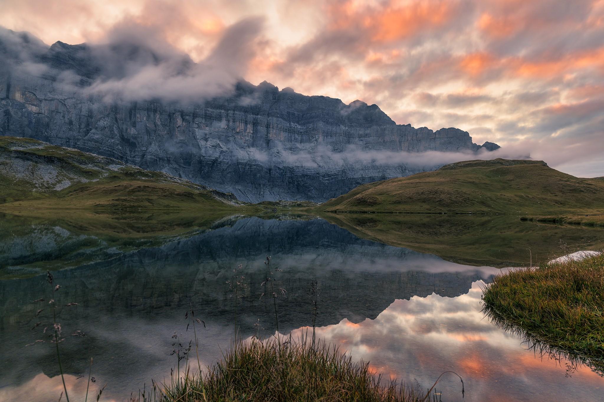 Le Lac d'Anterne au soleil couchant
