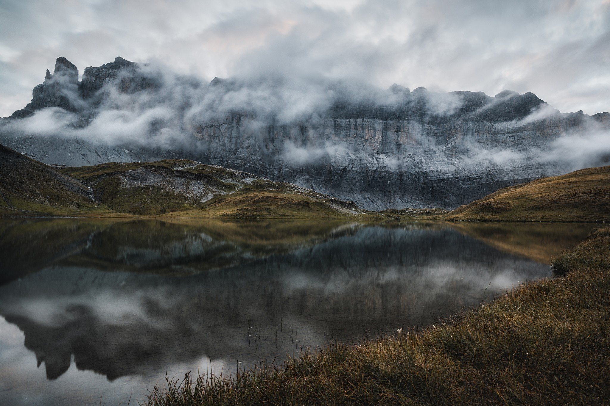 Brumes et nuages bas sur Anterne | Haute-Savoie